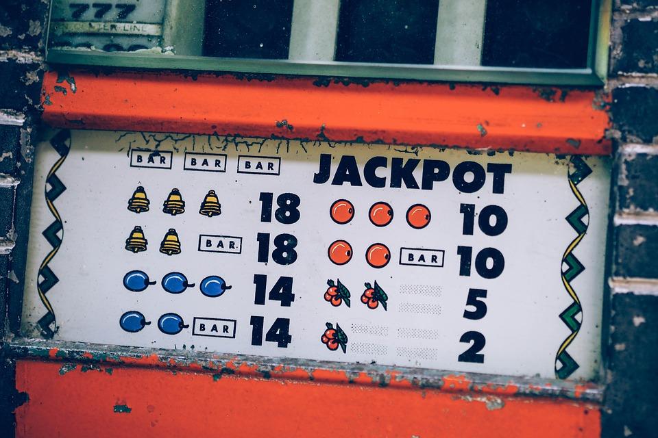 สล๊อตเกม เป็นหนึ่งในเกมยอดนิยมที่สามารถทำเงินได้บนเว็บคาสิโนออนไลน์